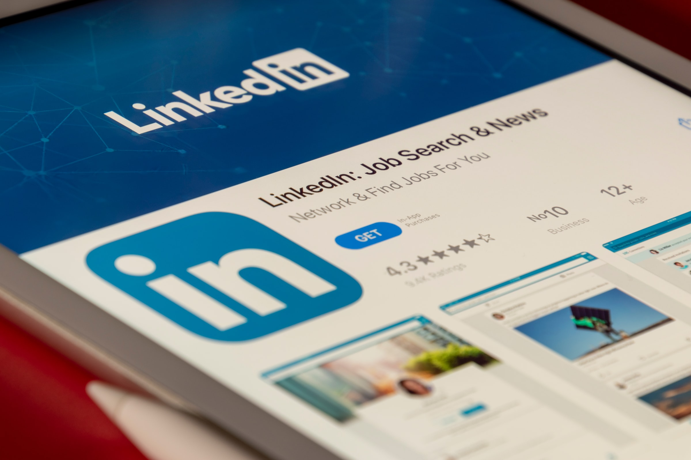 Finding new leads on LinkedIn is a good strategy to win new work